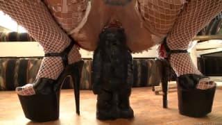 Une compil d'actrice avec de drôle de sex-toys.