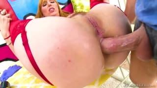 Lauren Phillips se fait detruire l'anus!