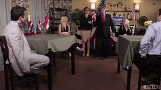 Trump regarde une femme se masturber