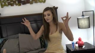 Megan découvre les joies du dépucelage Anal