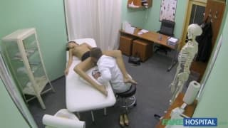 Silvie Deluxe va chez son médecin traitant