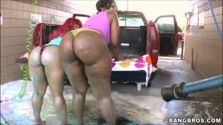 Car Wash gros booty de milfs black Oklm !!!
