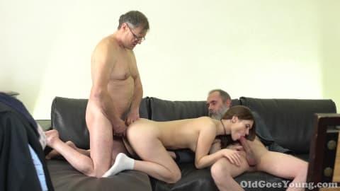 elle baise un bieux porno frnacais