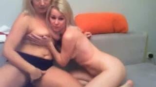 Ces gouines blondes, elles aiment le sexe