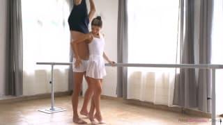 Une ballerine se fait baiser par son prof