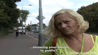 Femme mature accepte de coucher pour du fric