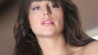 La lingerie fine de la sensuelle Christina Leia