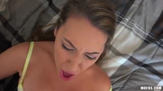 Il la baise après son live sur internet !