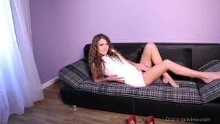 Melisa qui se masturbe d'une manière bien sexy