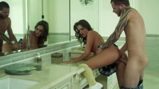 Tori Black et Scott Nails vont baiser