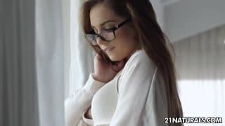Lingerie blanche et baise sensuelle