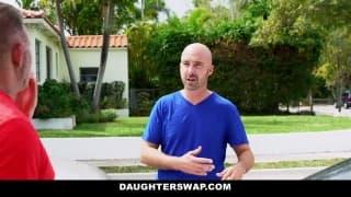 Un père propose sa fille pour un accident