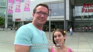 De jeunes tchèques baisent pour de l'argent