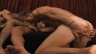 Les hommes gays amateurs qui aiment se montrer sont sur Tukif