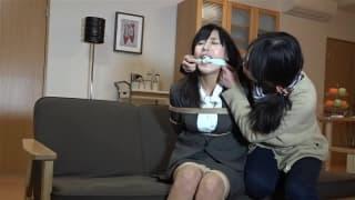 Bdsm et corde pour jeune japonaise