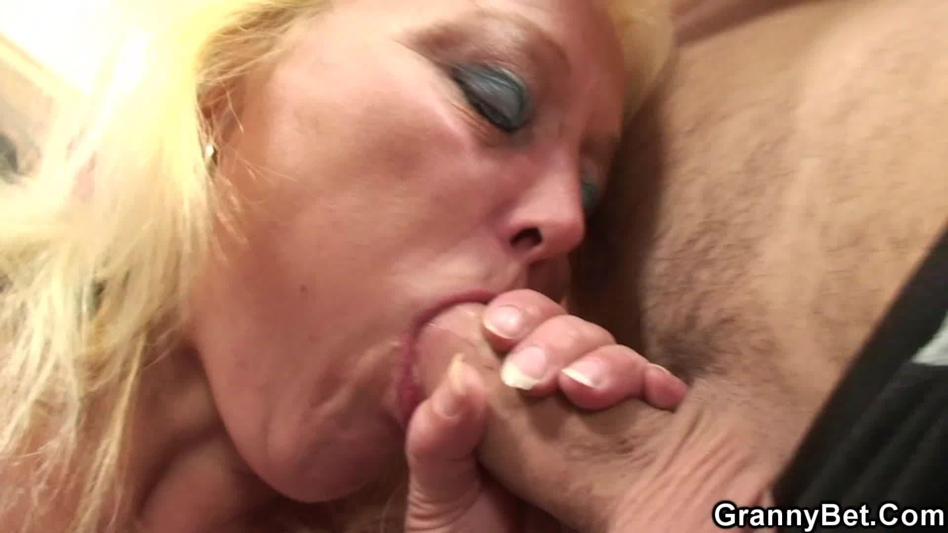 Liste des actrices porno matures