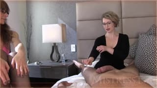 Une maitresse soigne un patient devant sa gow
