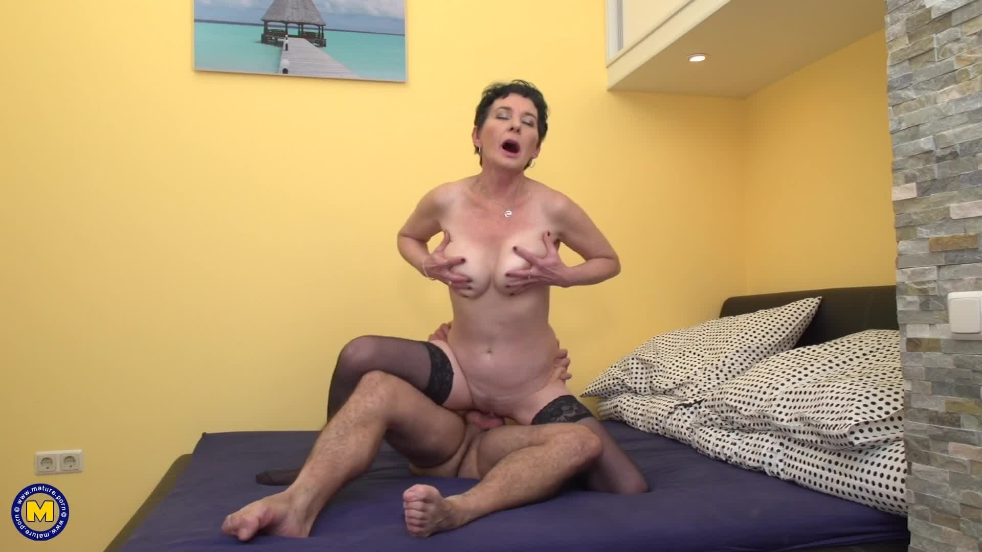 Real hotel maid watch wank