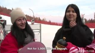 Czech streets-La chaleur du sexe les réchauffe