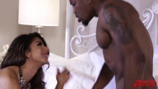 Il lui rentre tout ce qu'il a et elle kiffe ca!