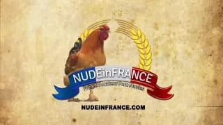 Une brunette française pour un casting porno