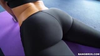 Petite séance de yoga avec Jada Stevens