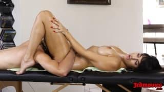 Jolie massage pour cette milf latino