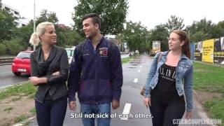 Un couple tchèque baise pour de l'argent