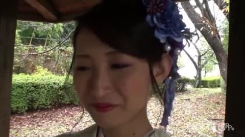 Japonaise filmée en pleine scène de cul en POV
