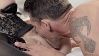 Une compilation de 4 films porno, bien excitant