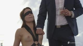 La belle Jenna se fait entretenir par Mick Blue