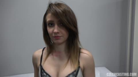 Femme 19 ans passe un casting torride