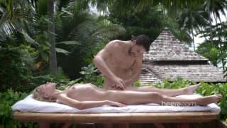 Massage tantrique dans un cadre tropical