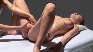 Massage qui mouille et qui fait bander toride