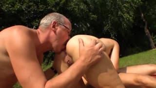 Maman en chaleur baise un puceau