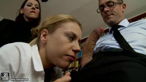Le directeur Viézo et la prof et l'élève
